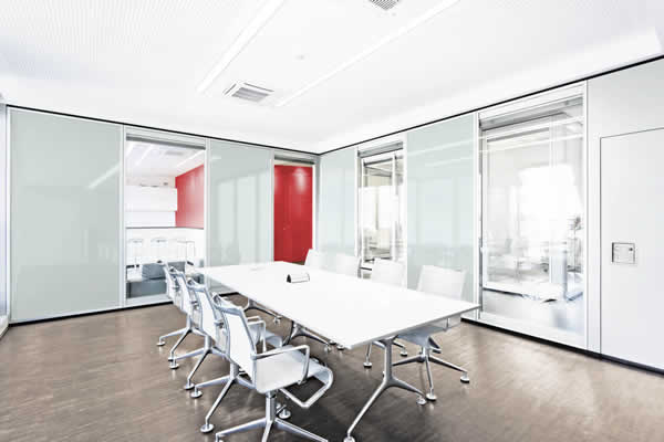 DEKO MV2 Glass - Dorma Variflex Glass - Mobile glazed partition with excellent sound reduction